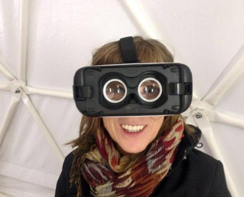 Grit Lemke mit einer 360° Brille